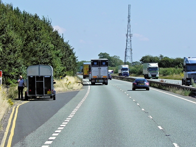 Eastbound A14, Refuge Area and Communications Mast near Naseby