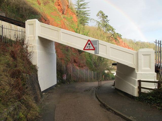 Cliff railway bridge over road