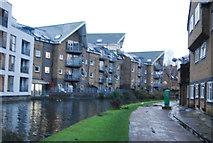 TQ2482 : Grand Union Canal - Paddington Branch, Kensal Town by N Chadwick