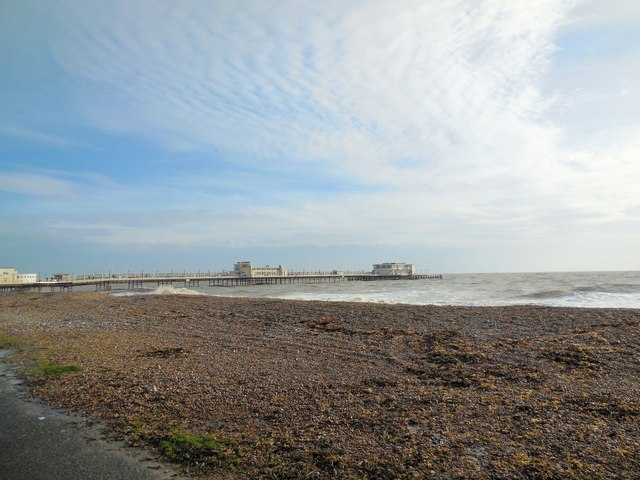 Beach and strong tides - Worthing