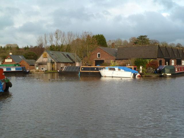 Worcester & Birmingham Canal - basin and maintenance depot
