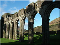 SO2827 : Multiple arches of the ruins of Llanthony Priory by Peter Evans