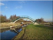 SJ6999 : Lingard's Bridge by John Slater