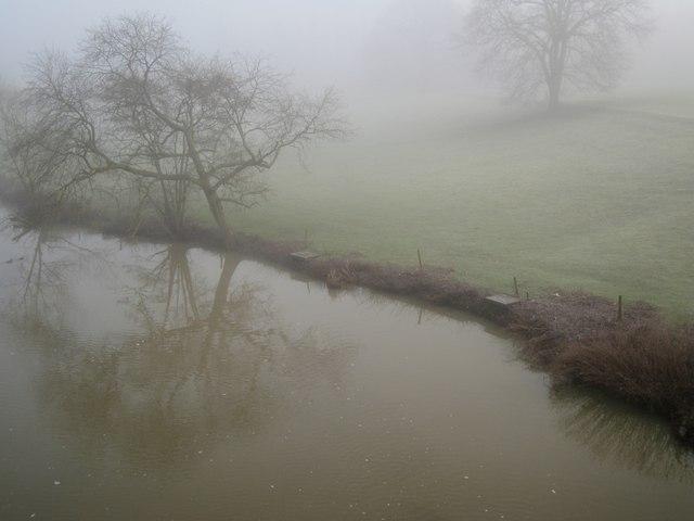 River Avon by Jephson's Farm, Warwick 2014, misty January 21, 09:26