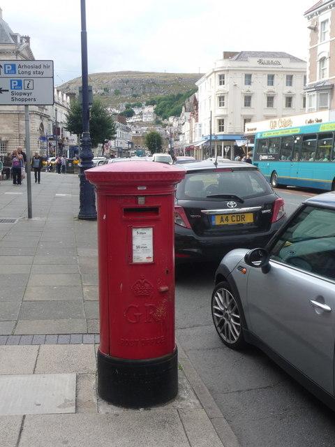 Llandudno: postbox № LL30 6, Mostyn Street by Chris Downer