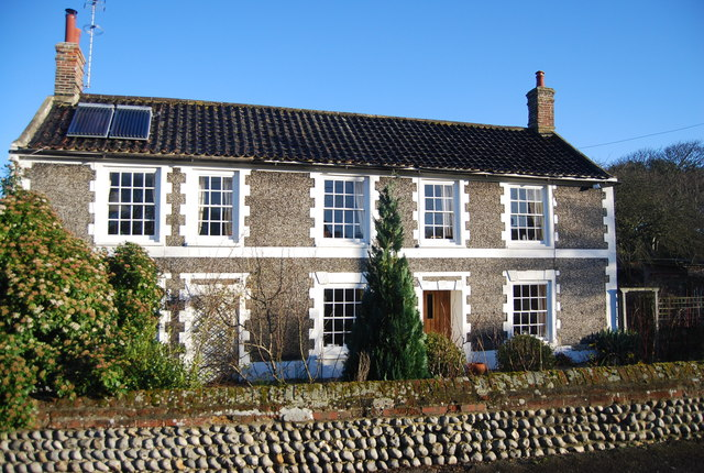 Flnt built house, Mundesley Rd
