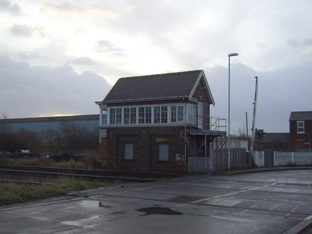 Signal box, Marsh Road Level Crossing