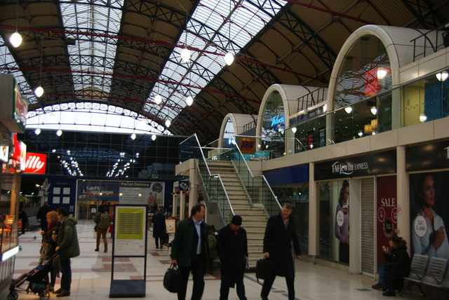 Wetherspoon's and other shops in Victoria Station
