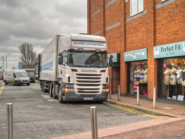 Unloading at the Millgate