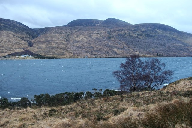 A southeasterly whips up Loch More