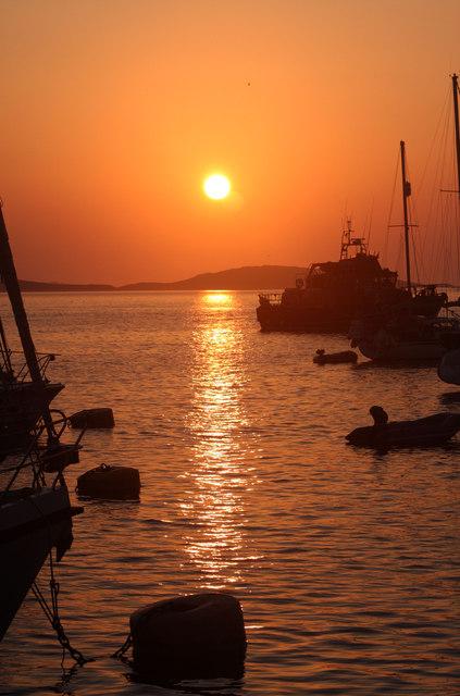 The sun sets over Tresco