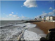 TQ3103 : Waves on Brighton Beach by Paul Gillett