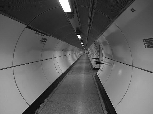 London Bridge underground station, lift access