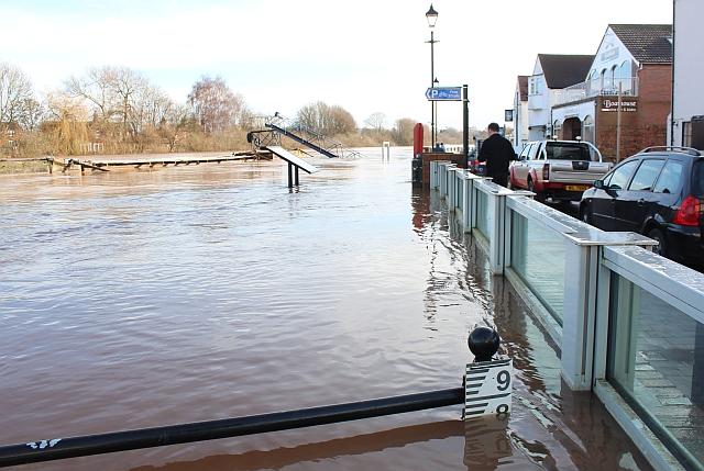 Flood level, Waterside, Upton