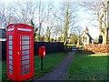SP9525 : St Michael's, phone box and post box, Eggington by Bikeboy