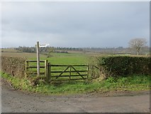 SO4155 : Farm sign, Bidney by Richard Webb