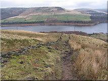 SK0697 : Pennine Way above Torside Reservoir by Gareth James