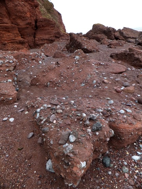 Conglomerate sandstone at the foot of the Ness cliff