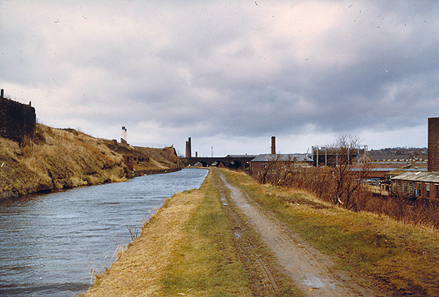 Llcr 2021 begins 06:00 28th august at old hall st, liverpool. Leeds-Liverpool canal near Kirkstall -... © William ...