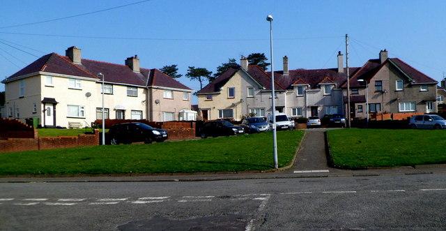 Cefn Hendre houses, Caernarfon