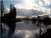 SK3528 : The River Trent at Barrow upon Trent by Jonathan Clitheroe