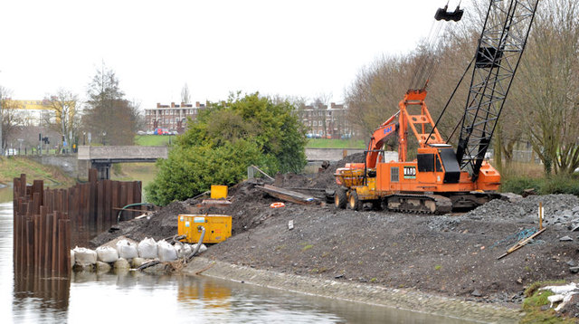 Revetment works, River Lagan, Belfast - March 2014(1)