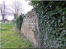 TF0119 : Churchyard wall by Bob Harvey