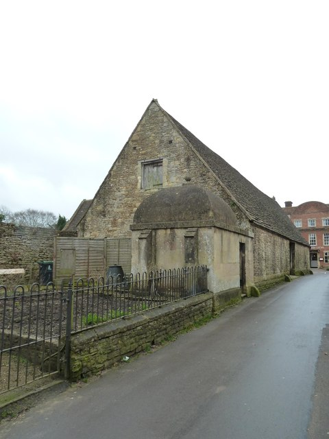 Lock-up and tithe barn - Lacock