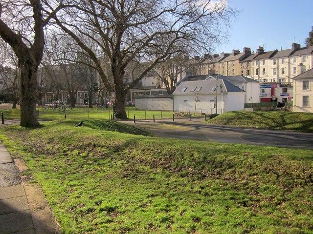 Disused play space, Upton Park