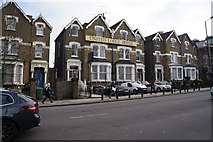 TQ3187 : United Lodge Hotel on Green Lanes by Ian S
