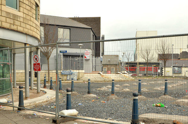 Forecourt, Bangor railway and bus station (March 2014)