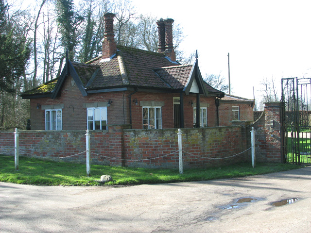 Lodge by the entrance to Wattlefield Hall