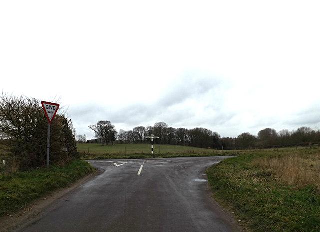 White Heath Road, Bergh Apton