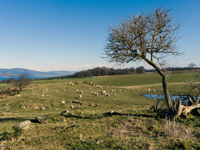 Along the Black Isle escarpment from the Mulchaich Chambered Cairn