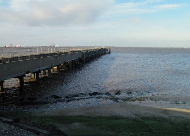Disused jetty near Immingham