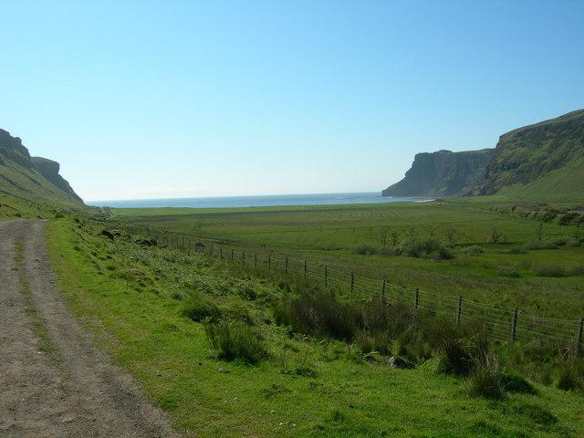 Path to Talisker Bay near Talisker House