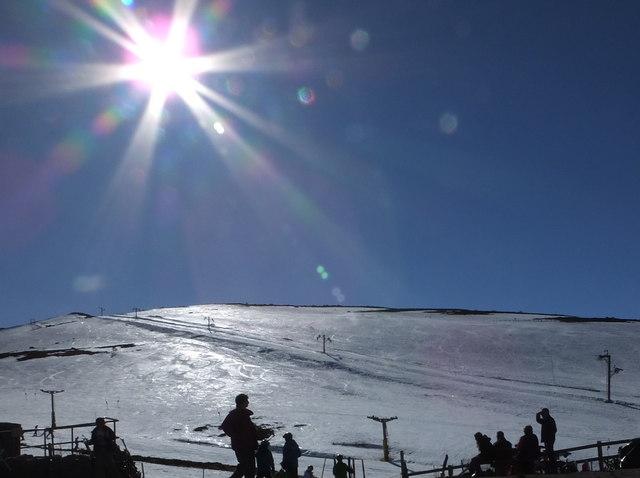 Noon sunshine at Cairngorm Ski Centre