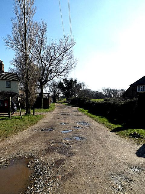 Bridleway & entrance to Sheepwalk Farm
