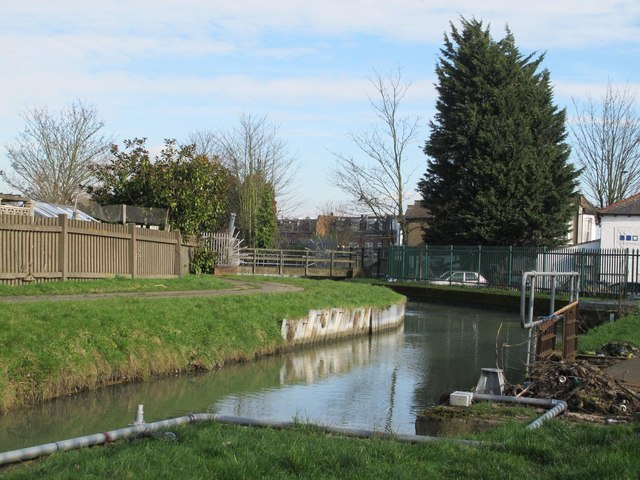 The New River by Southbury Road, EN1