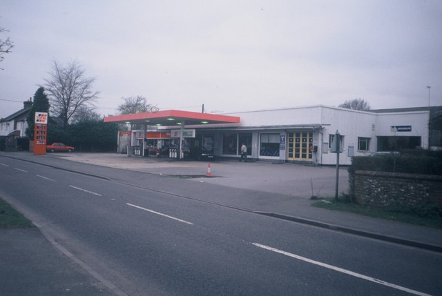 Former Prestwood Motors Petrol Station and Garage (1)