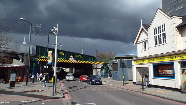 Stroud Green Road railway bridge, Finsbury Park