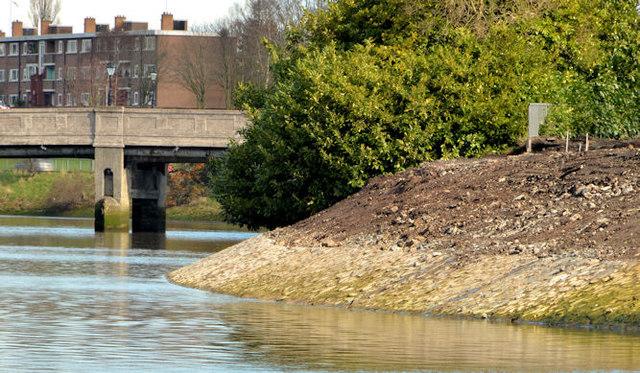 Revetment works, River Lagan, Belfast - March 2014(3)