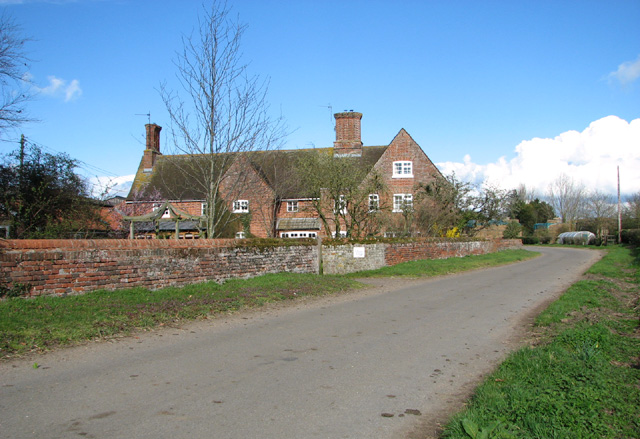 Low Farm as seen from Low Road