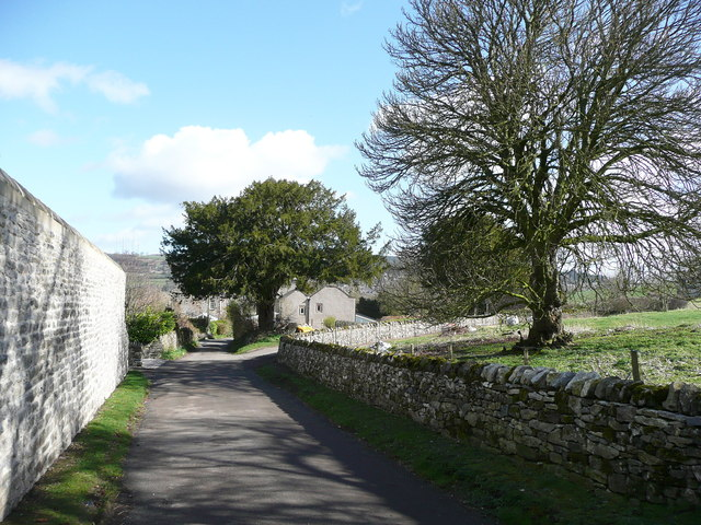 The lane between Snitterton Hall and the village