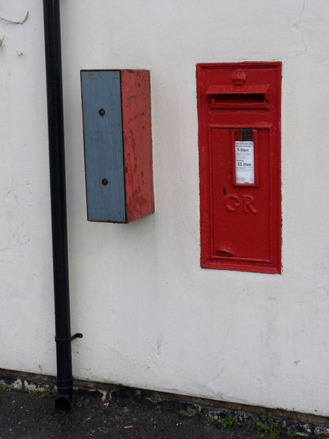Hucknall Lane Post Office postbox ref NG6 389