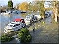 SU5980 : Flowing under the boats by Bill Nicholls