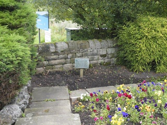 The Potters' Well, Mortimer Road, Midhopestones, near Stocksbridge - 2