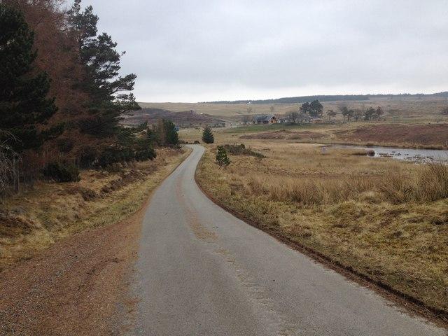 Minor road near Tullich