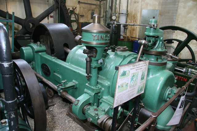 London Museum of Water & Steam - gas engine
