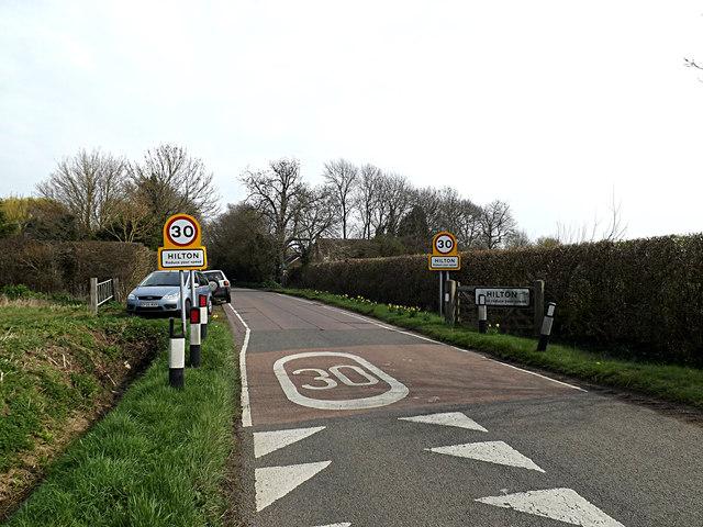 Entering Hilton on Graveley Way
